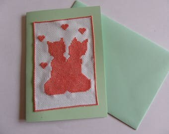 Green double card embroidered cats and hearts with its envelope for Valentine's day