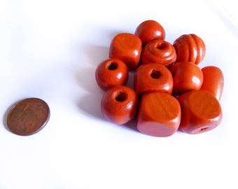 A set of wooden beads orange 15 mm