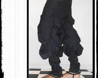 """""""MUTE"""": large pleated black loose pants"""