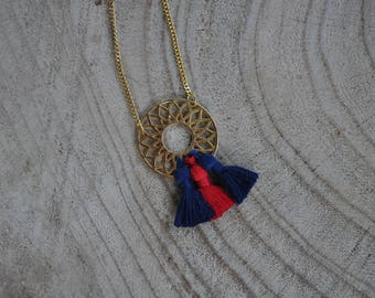 Necklace with tassel and pendant - Paris