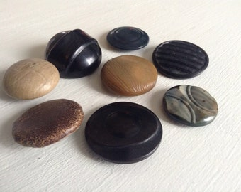 Set of 8 large vintage buttons various