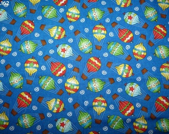 Fabric C162 balloons on blue coupon 35x50cm