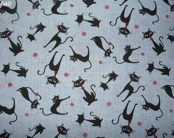 Fabric C640 black cats on Blue Heather coupon 35x50cm