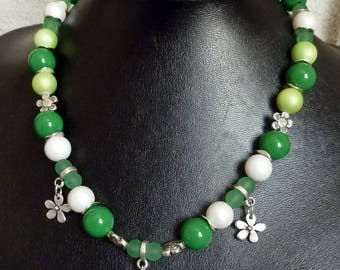 Necklace: small flowers!