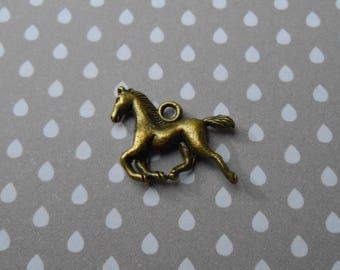 1 charm or pendant antique bronze horse 23 x 19 mm