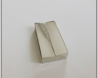 37 mm silver magnetic clasp