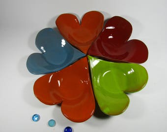 SET of 5 plates in the shape of hearts in Terra-cotta.