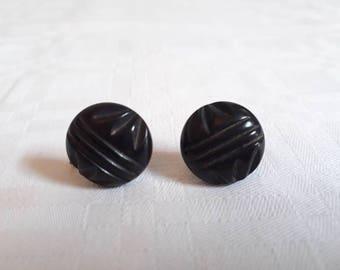 40s/50s Black Engraved Circle Screw-on Earrings