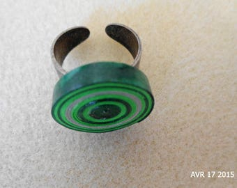 Gray and green quilling cylindrical ring