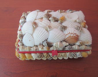 Jewelry Box, Vintage Treasures box, Jewelry box with marine motifs, Box decorated with mussels,Gift for her,Handmade box,Nautical decoration