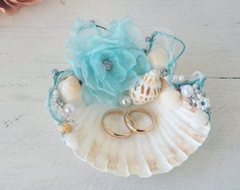 Shell ring holder, Wedding beach theme, Ring holder decorated, Seashell,Ring Bearer, Beach Wedding, Ring pillow, bride and groom, handmade
