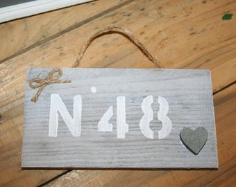 door plate gray white distressed wood heart