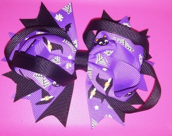 Witch hats and bats stacked bow