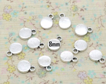 10 x round circular charm silver plated 8mm