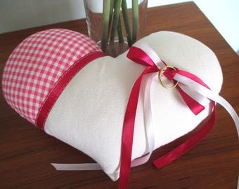 Pillow 'Country chic' pink and white
