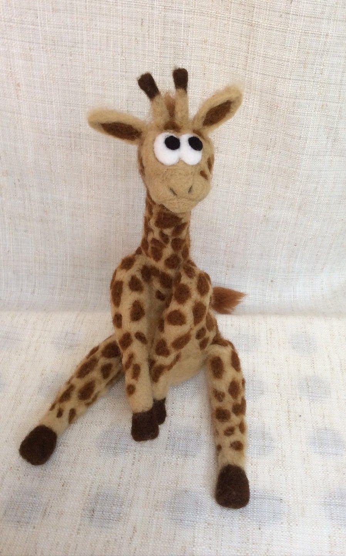 peluche girafe en laine feutr e collection safari. Black Bedroom Furniture Sets. Home Design Ideas