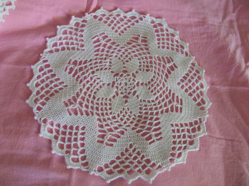 Napperon dentelle au crochet blanc - Napperon dentelle crochet ...