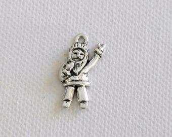 1 Eskimo silver Tibetan charm