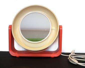 Retro mirror with lamp