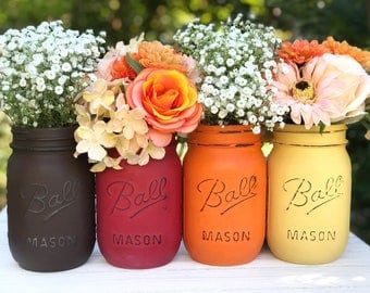 Thanksgiving centerpiece painted mason jar. Orange, yellow, brown, red, peach, tan. Jars for fall, Autumn Jars, Thanksgiving jars, hostess