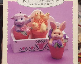 Hallmark Keepsake Ornament Flowerpot Friends