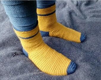 Naalbinding socks (viking, early medieval made to order, naalbinding, nalebinding socks)