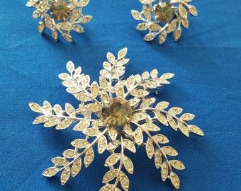 SIGNED SARAH COVENTRY Rhinestone Earring and Brooch Set