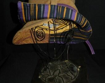 Winter hat, shape mi-vague mi-pointe