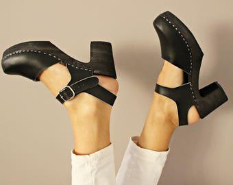 Clogs Swedish clogs wooden clogs moccasins leather sandals women clogs clogs sandal leather clogs mules women sandals wood clogs  black