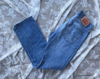 Vintage Levi's 501, Size 30, 90s Jeans, Vintage Levi's, Mom jeans, High Waist Jeans, Straight leg jeans, Boyfriend Jeans, Button fly