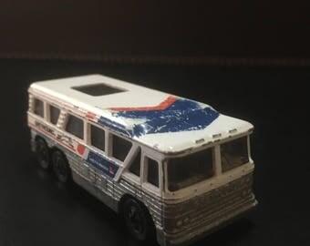 Mattel Hot Wheels Greyhound Bus