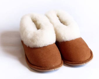 Camel child slippers in sheepskin leather