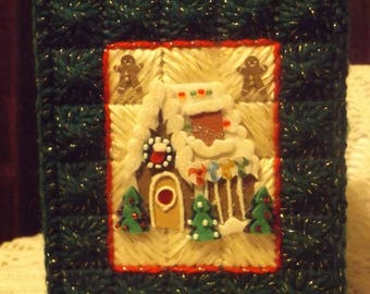 Christmas Gingerbread House  -  /  Tissue box cover - Handmade - Plastic Canvas - Boutique Size