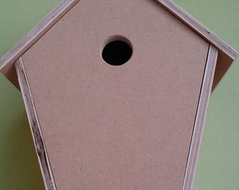 Wood birdhouse made with my hands.