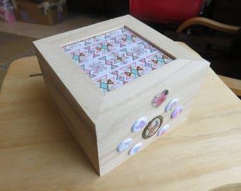 2 square wooden box
