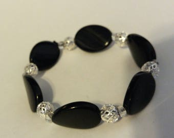 Fashionable Black and Silver Plated Stretch Bead Bracelet for Women