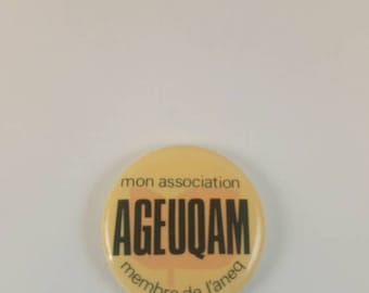 Vintage Small UQAM student's Union pinback button