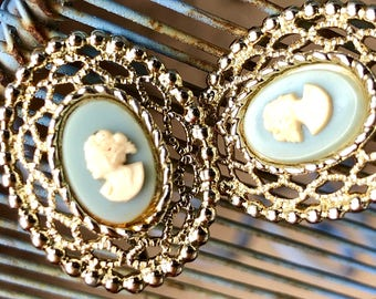 sarah coventry cameo earrings vintage costume jewelry estatelace clip on earrings gold baby blue oval