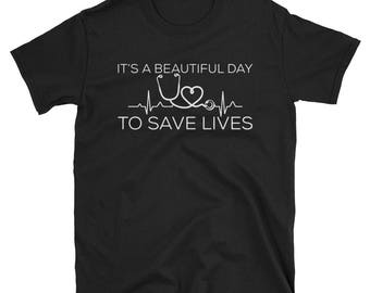 doctor - nurse - paramedic - gift Unisex T-Shirt