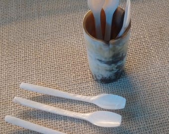 Set of 6pc mother of pearl spoon including buffalo horn spoon holder - style A