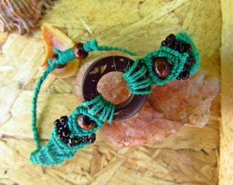 Green Hemp Cord Coconut Shell Bracelet