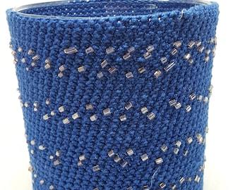 Hide jar blue hook pearl