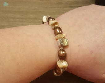 Chunky Pearl and Mother of Pearl Stretchy Bracelet