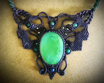 Macrame necklace Big Green Jade