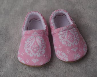 Pink and white paisley booties, slippers, crib shoes, shoes