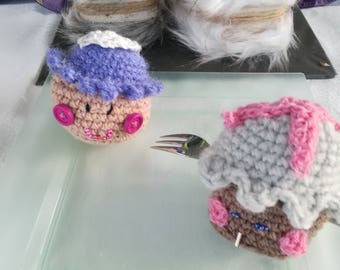 crocheted cupcakes; small subjects woolen hand-made in different designs