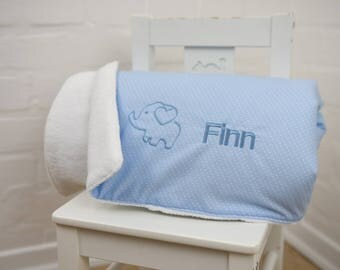Cuddly blanket with wish name in various colours