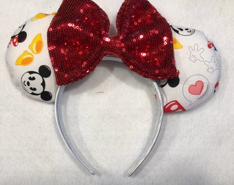 Mickey emoji Disney ears