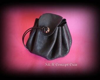 Leather purse * Leather purse