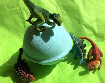 Candy Fluff by Lush Type Scented Dinosaur Toy Surprise Bath Bombs